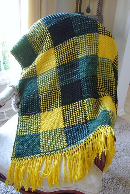 Free Pattern: Boldly Colored Plaid Afghan by Patons | 00 | Pinterest ...