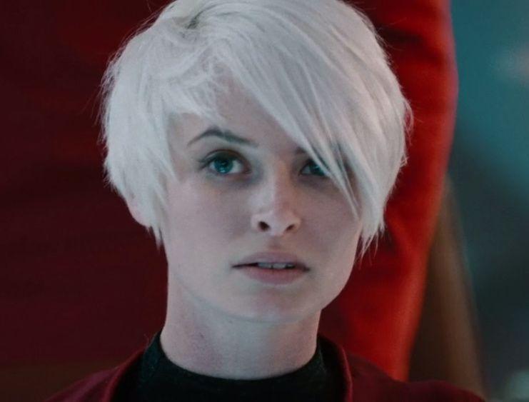 white haired bridge girl from Star Trek Into Darkness