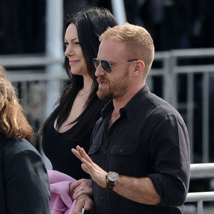 Pregnant & Glowing Laura Prepon PDA Holding Hands With Ben
