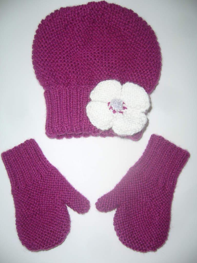 c79c2fe53b7c Tricoter un bonnet et des moufles 18 mois   pull bb