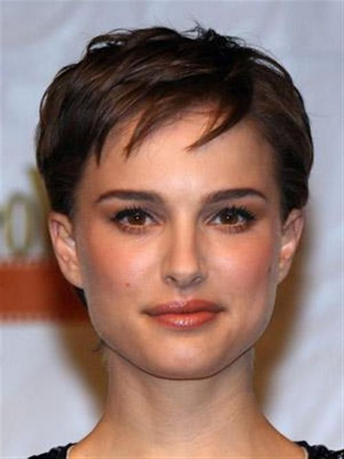 Women Square Faces With Short Hairstyles Short Hairstyles For Square Faces And Fine Hair Square Face Hairstyles Haircut For Square Face Square Face Shape