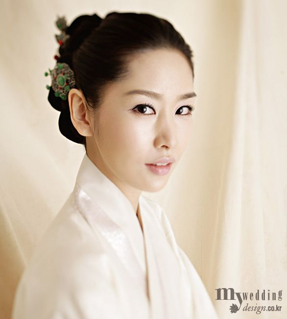 makeup and hair styling for hanbok korea hanbok