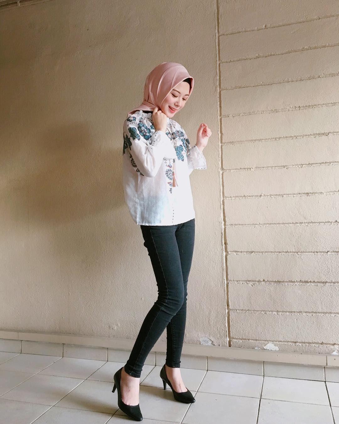 19 4k Likes 296 Comments Ayana Jihye Moon Xolovelyayana On Instagram Happy Saturday My Favorite Pants Ar New Hijab Style Hijab Fashion Beautiful Hijab