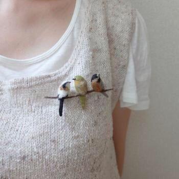 Needle felted bird brooch #feltbirds