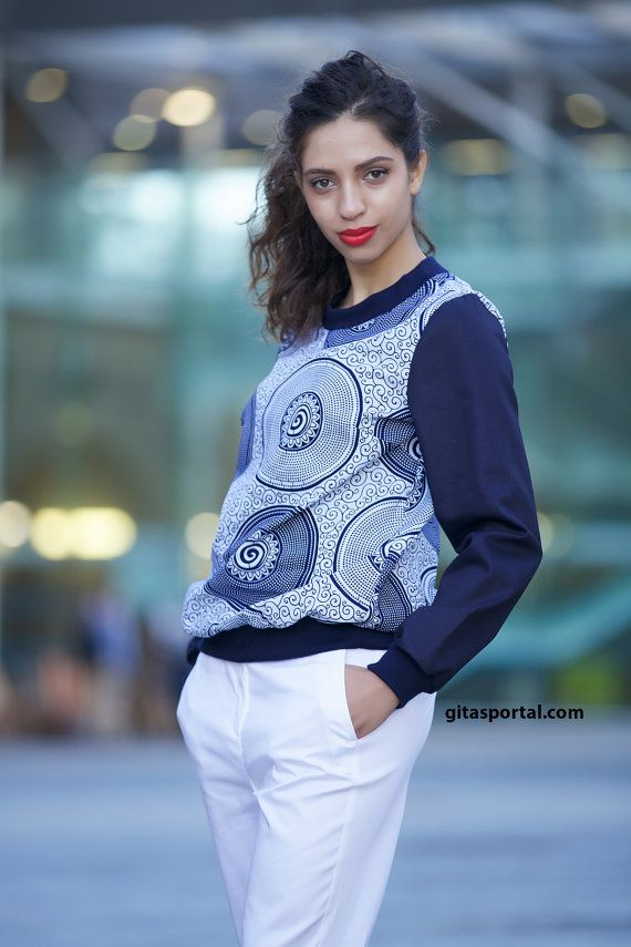 Our Tandeh shirts are just soooo cute this season. African print combined with denim makes this so stylish. Available in sizes: small, medium, large and extra large.