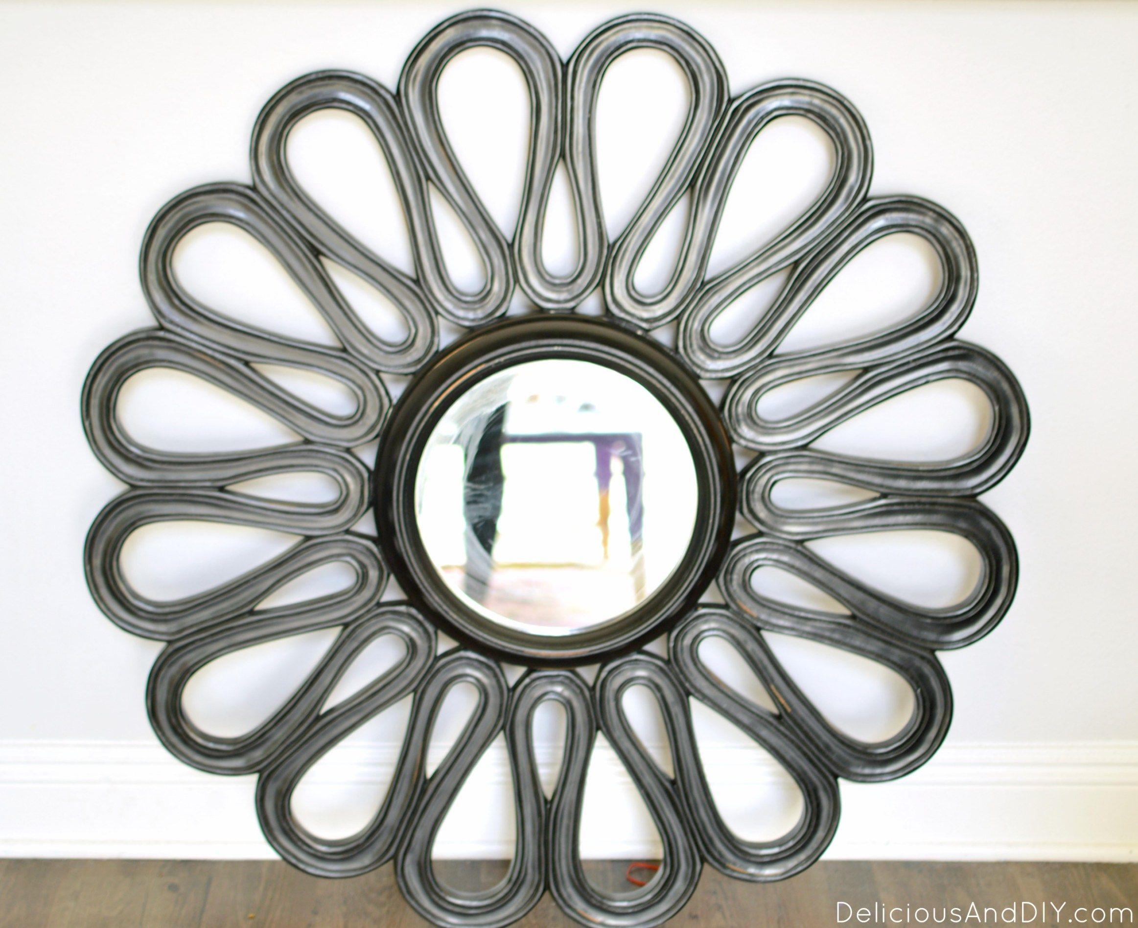 Gold Flower Mirror | Flower mirror, Recycled mirrors and Diy mirror