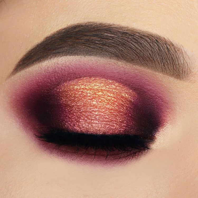 """Caterina_triant on Instagram: """"Cranberry sunset halo eyes🌋 #stepbystep for more follow @caterina_triant  ________________________  Products used: – – – – – – – – – – – -…"""""""
