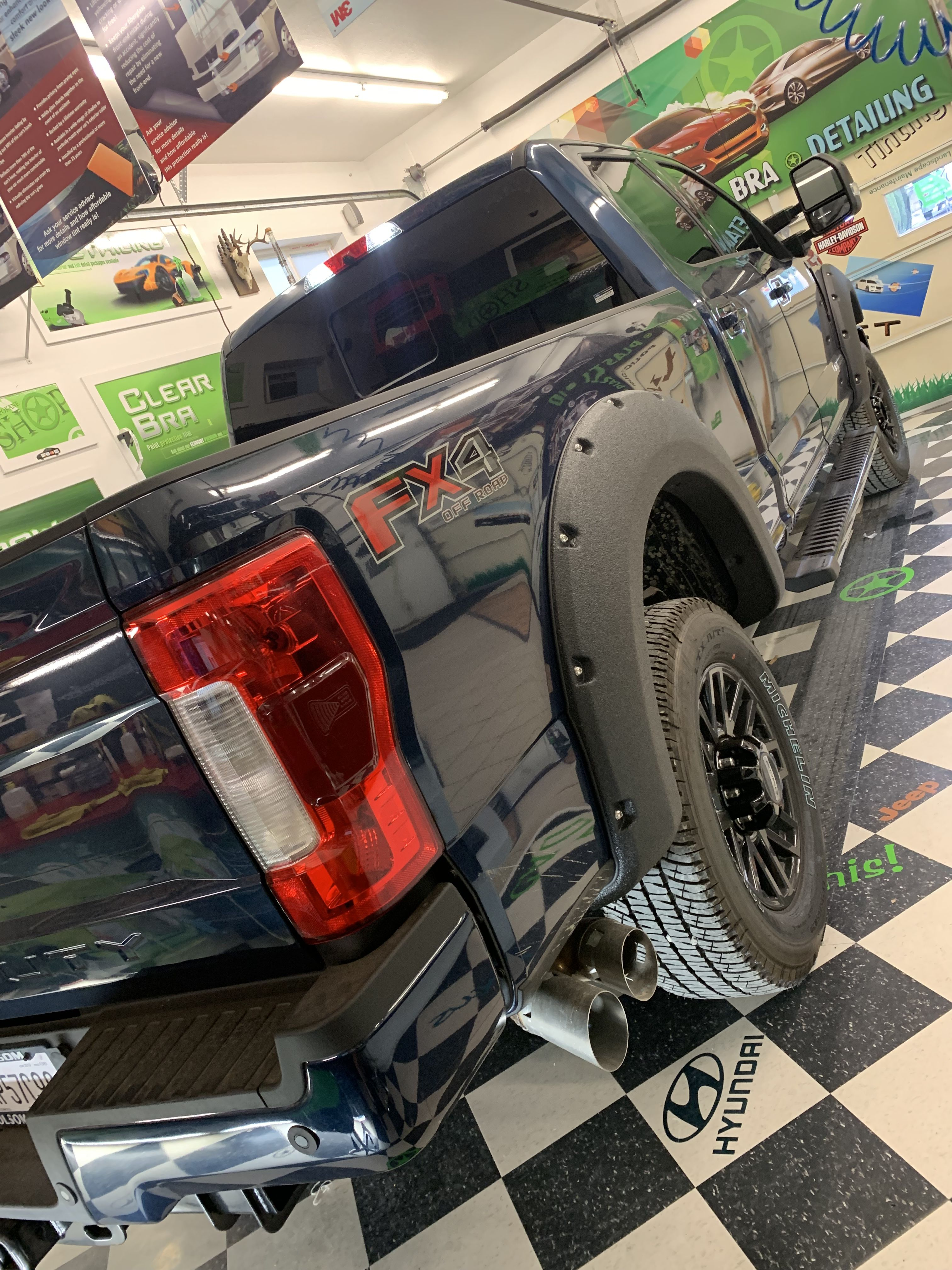 This Big Truck All It S Windows Tinted At The Spokane Shop By Nick With Carbon Film Looks Fantastic Even G Tinted Windows Commercial Window Tinting Clear Bra