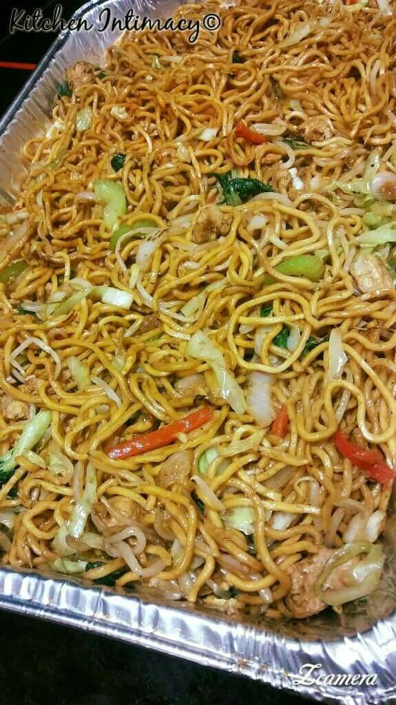 Chow Mein Casserole In 2019 Chow Mein Chinese Food Ethnic Recipes