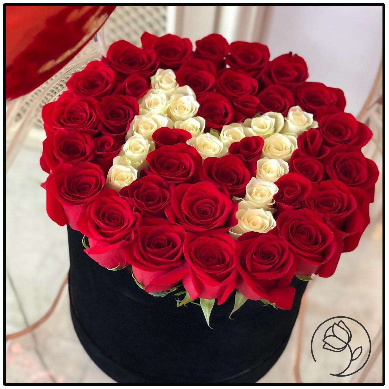 باکس گل رز با حروف انگلیسی اول اسم ایده هدیه ولنتاین In 2021 Gift Bouquet Flower Gift Flower Business