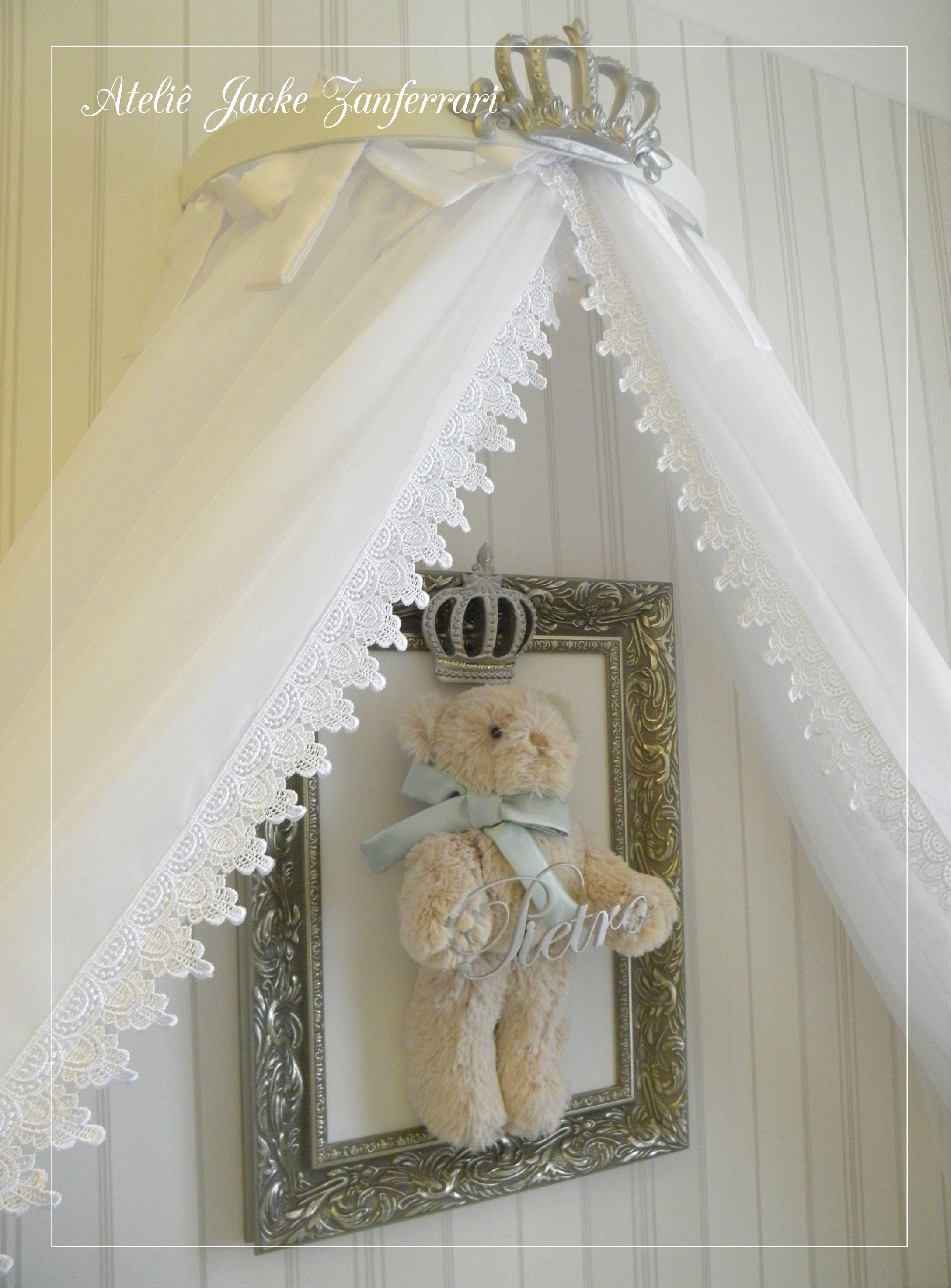0ab777ca3fc93 Dossel Coroa e cortinado . Quadro Maternidade Ursinho