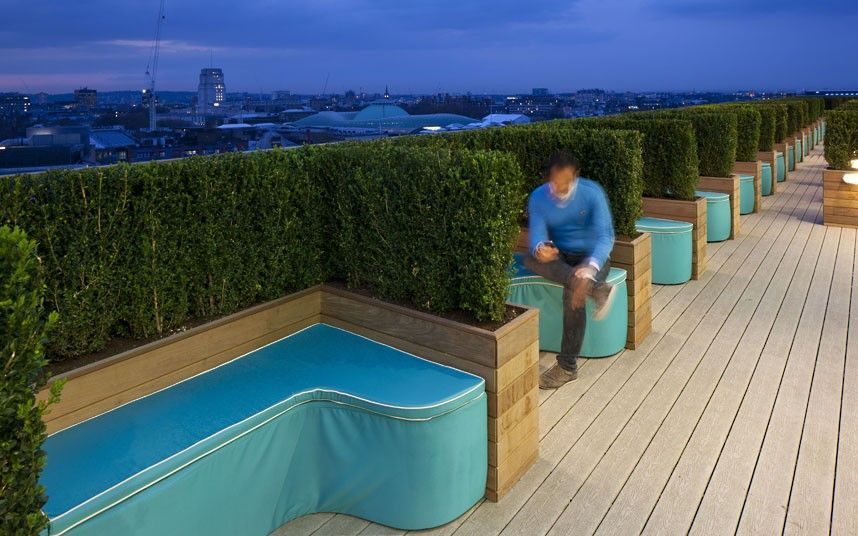 Inside Google S Quirky London Headquarters Rooftop Patio Roof Terrace Design Terrace Design
