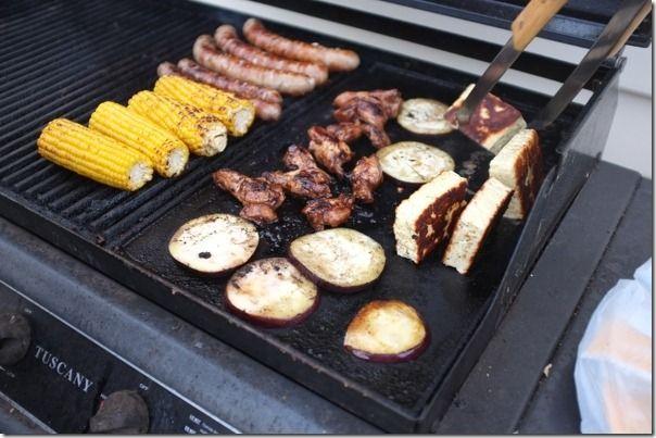 Le barbecue est presque une religion en australie! Ca explique peut-être pourquoi un pack de 12 saucisses coûte moins cher qu'un kilo de tomates