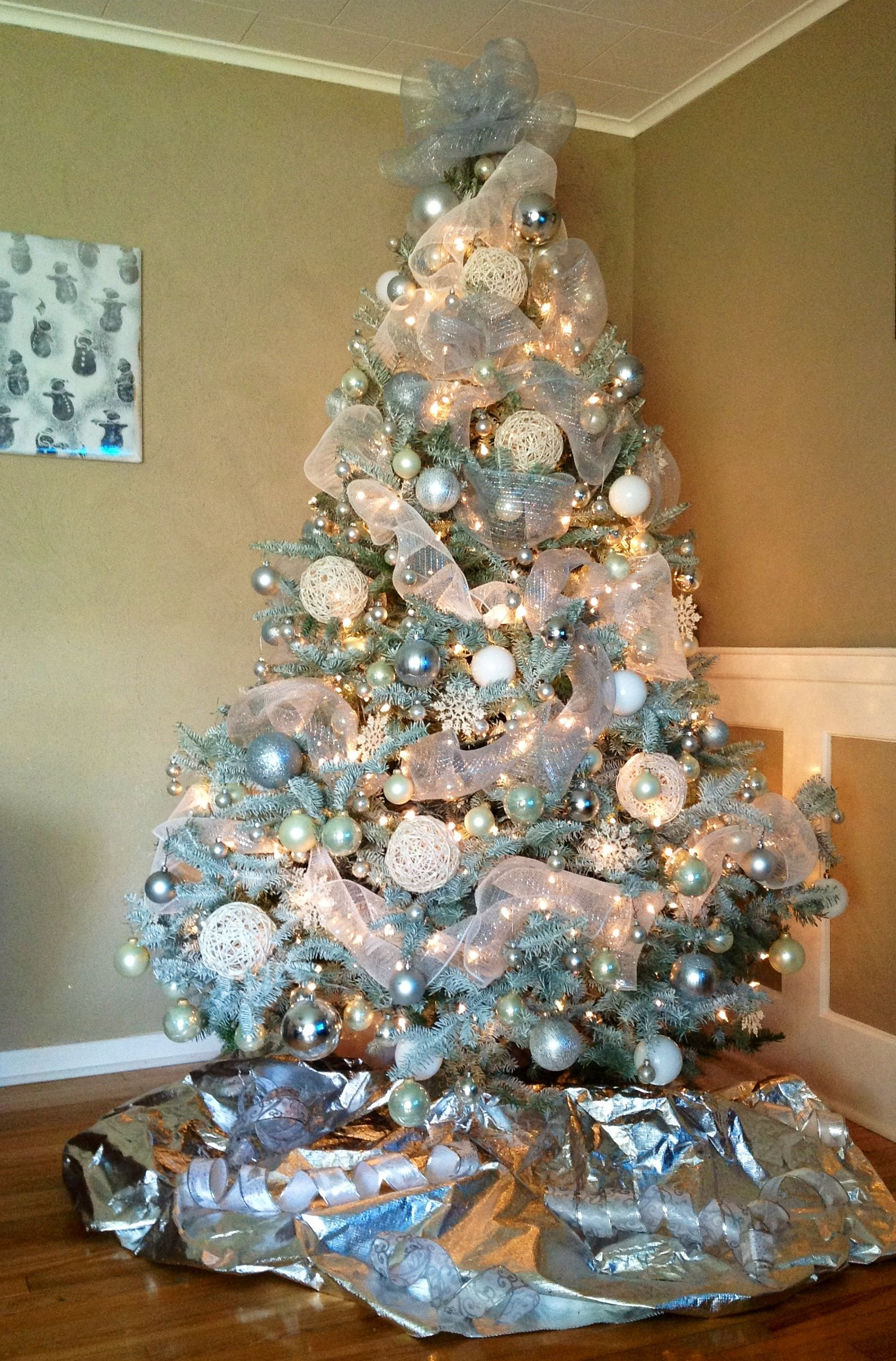 Christmas tree white silver geo mesh lights awesome