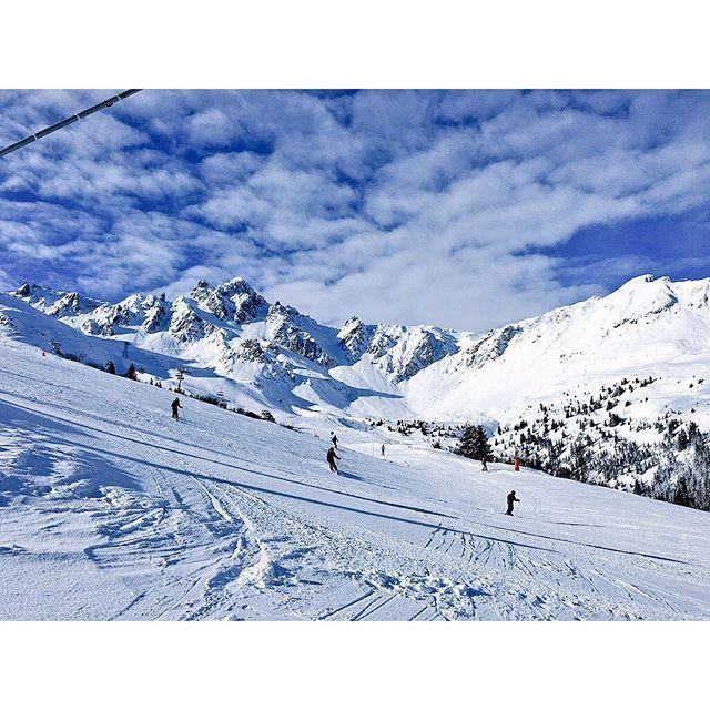 """""""La journée s'annonce idéale sur les pistes de Courchevel ! ☀️❄️ Amazing day on Courchevel ski area! #Courchevel #Snow #winter #landscape #ski #resort #instagood #beautiful"""" Photo taken by @courchevel_officiel on Instagram, pinned via the InstaPin iOS App! http://www.instapinapp.com (02/04/2016)"""