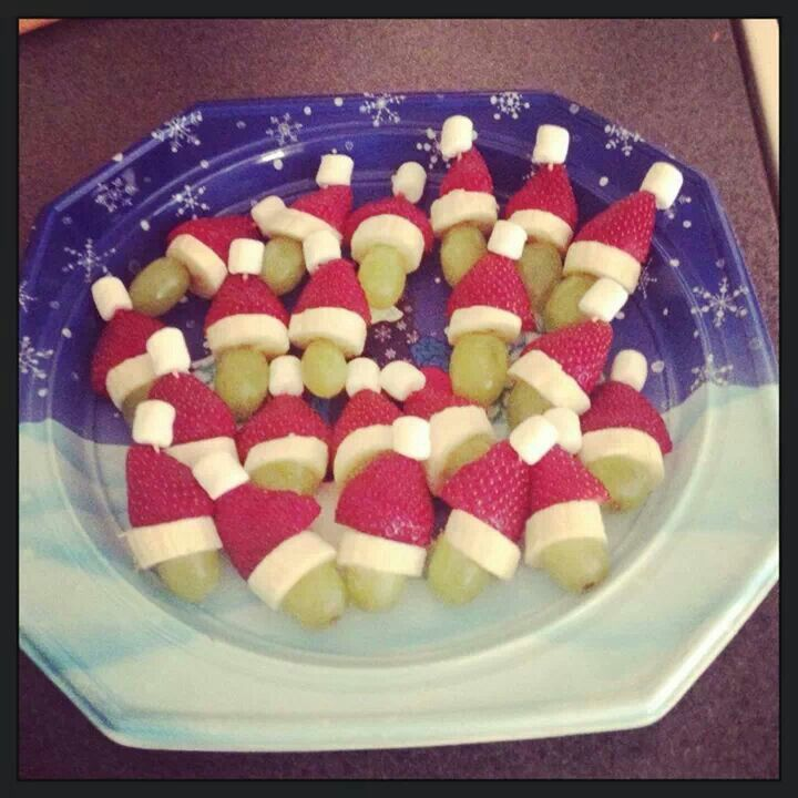 b474c8f4b3cb7 Christmas treat snack diy santa hat healthy grapes strawberries banana  marshmallows