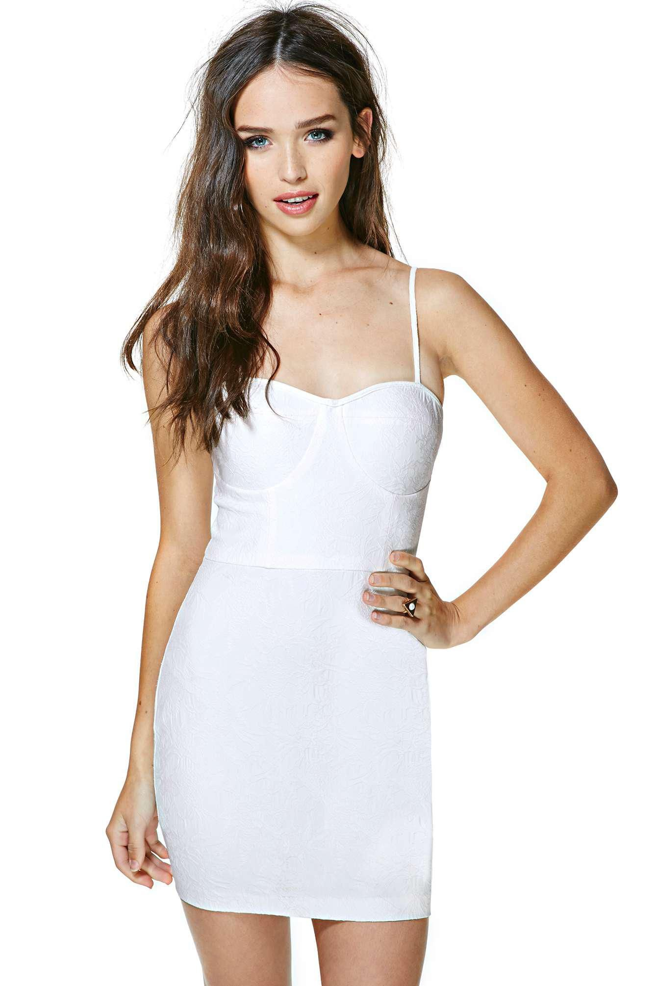 323eb034176a Awesome white body-con featuring a jacquard island print and a sweetheart  neckline with lightly p.