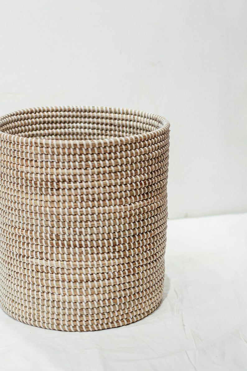White Seagrass Basket Natural Weave Wicker Basket Handicraft Etsy