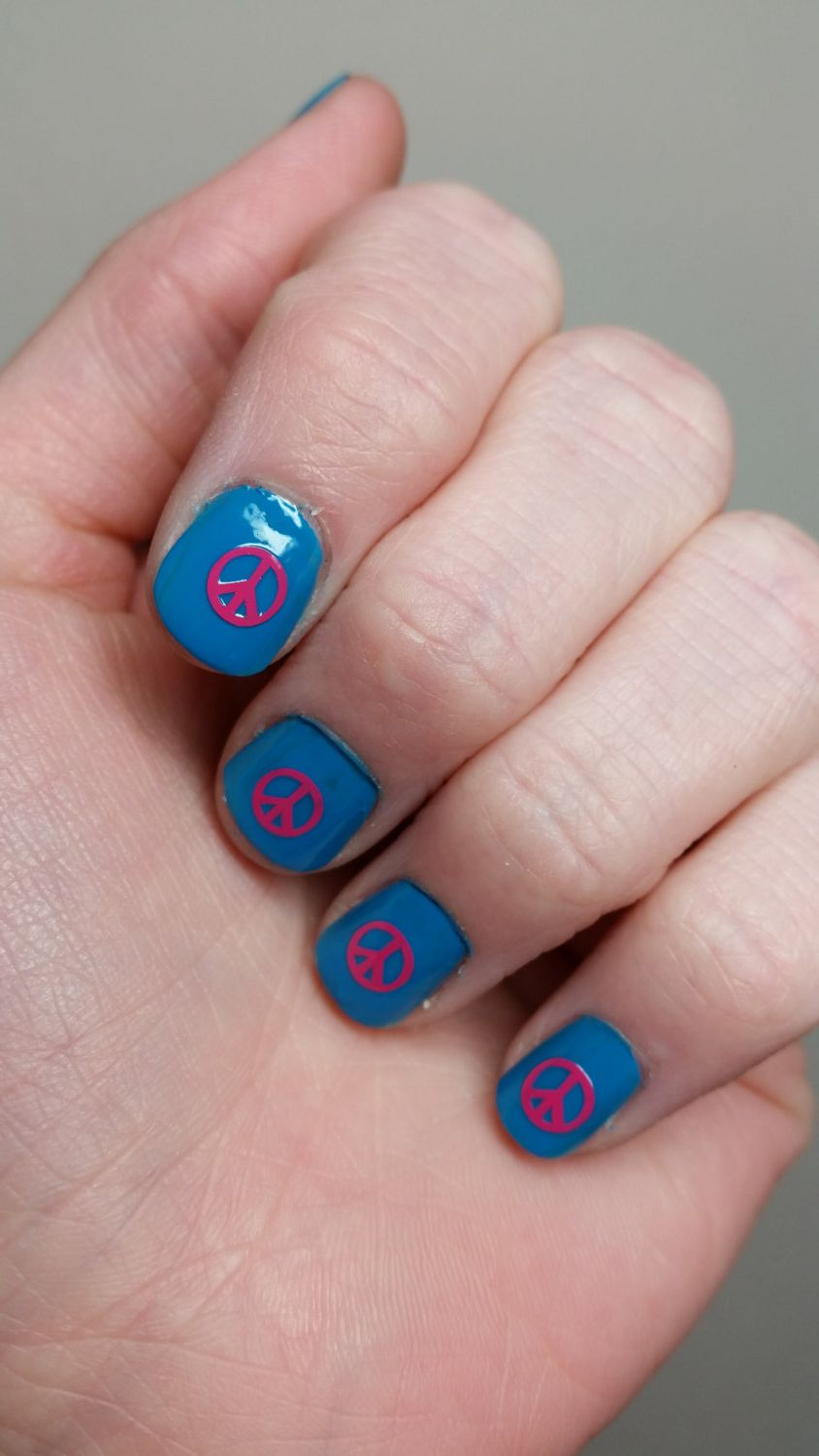 Peace sign retro nail art vinyl decals - set of 25 several sizes and ...