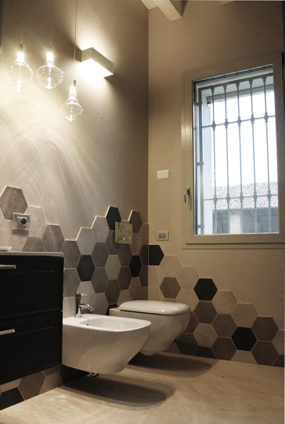 Photo of Classic style bathroom by alma design classic | homify