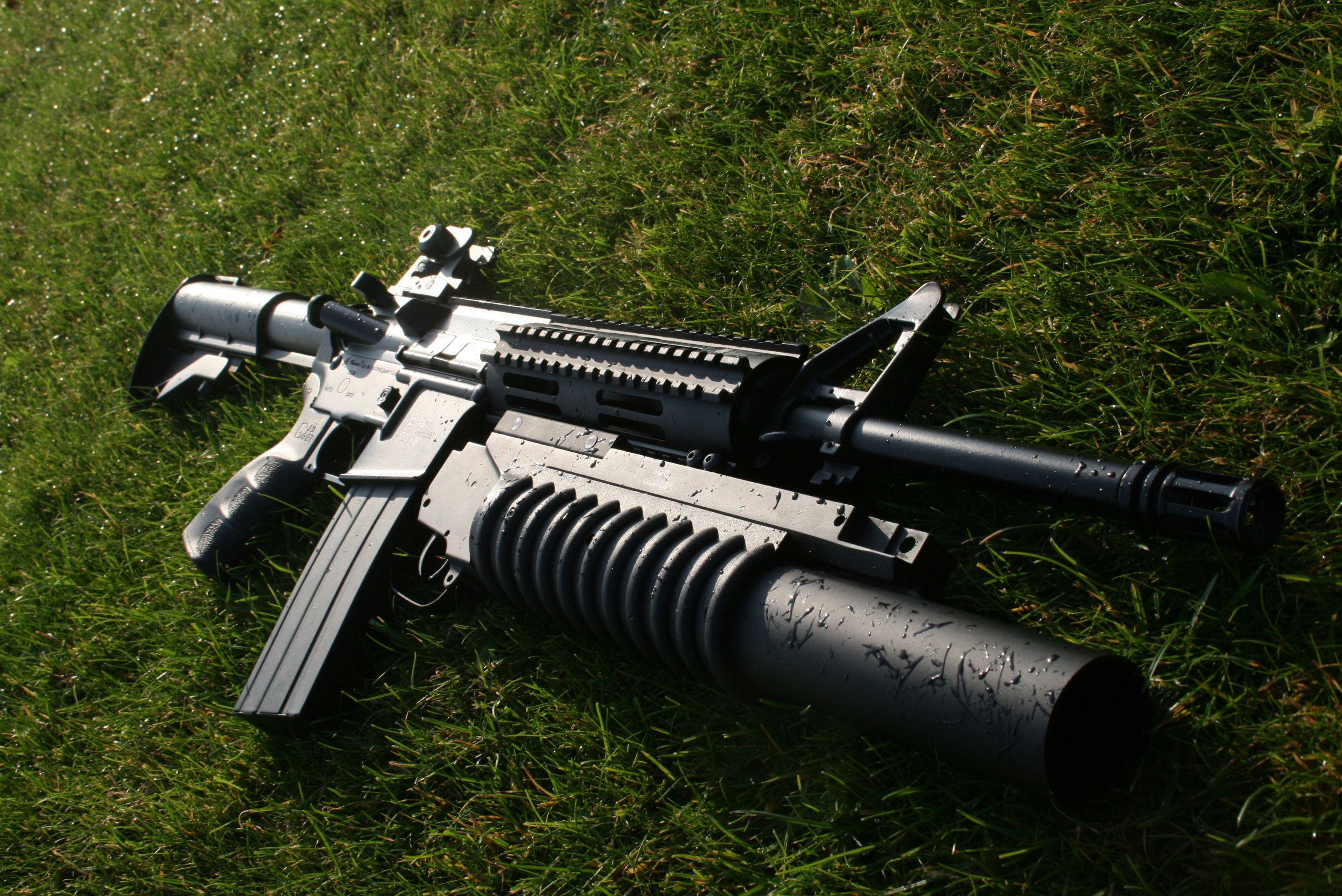 M16 assault rifle m203