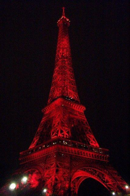 Tour Eiffel Rouge de ...
