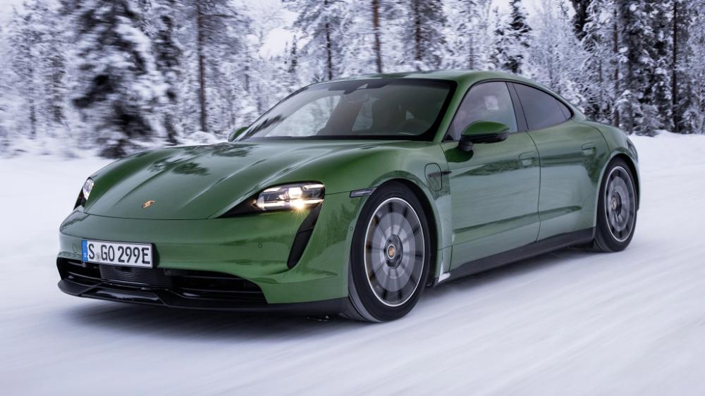Drifting the 2020 Porsche Taycan 4S in Finland Tech News