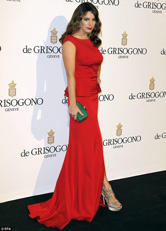 From showgirl style to old Hollywood glamour: Kelly Brook covers up ...
