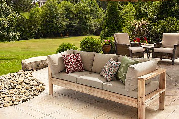 Modern Style Meets Diy Cool In This Sy Cedar Outdoor Sofa With Just Some 2x4 Boards You Could Be Seating Summer