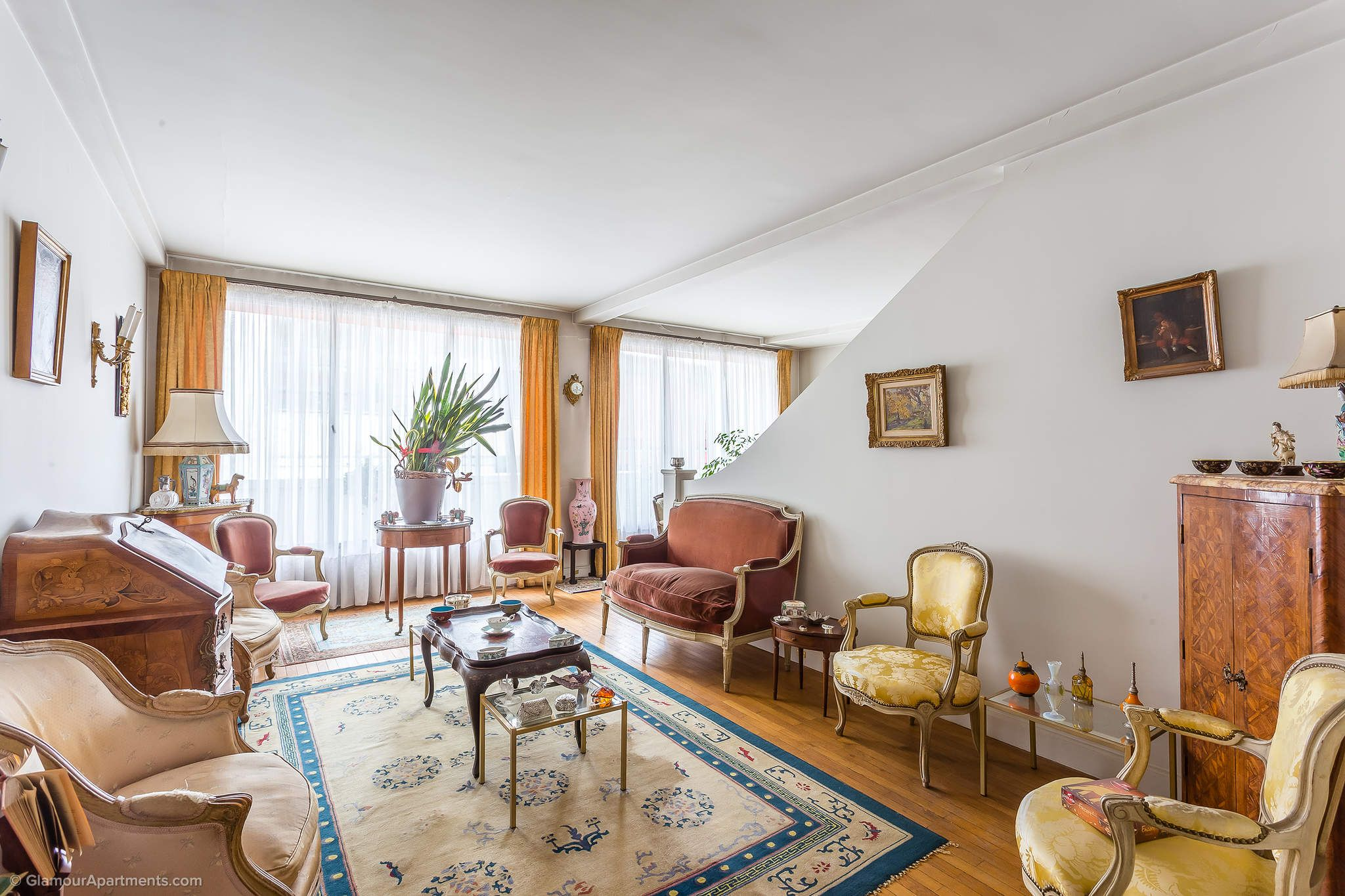 Beautiful, very pleasant, spacious apartment for sale in the 7th district of Paris. Wonderful flat with excellent panoramic views of the French capital. The property for true connoisseurs of art. https://www.glamourapartments.com/real-estate/for-sale/gourmet