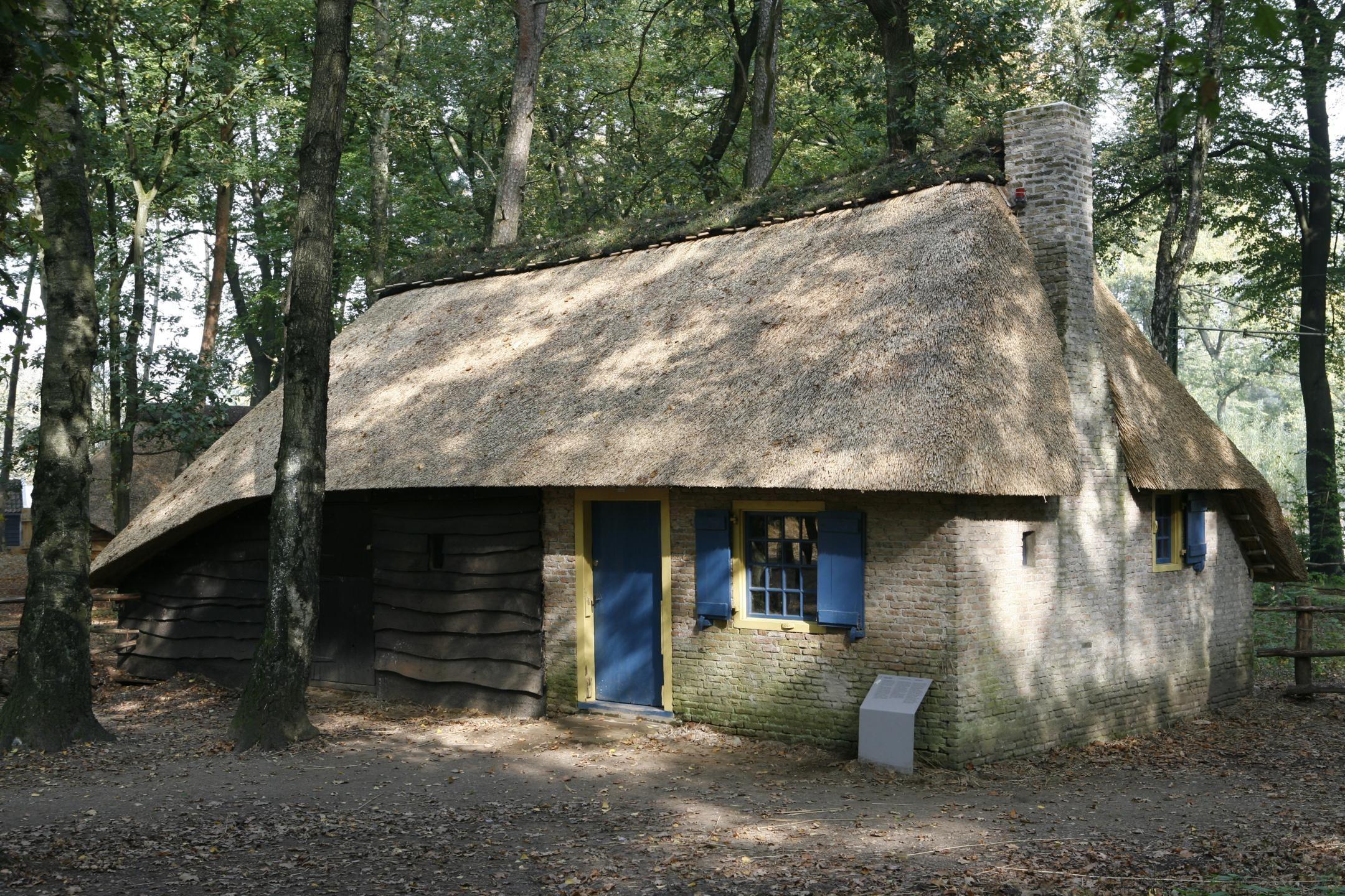 Daglonershuisje Locomotiefhuisje Zoomhuisje Ca 1850 Getransporteerd Naar Nederlands Openluchtmuseum In Arnhem Boerderij Leven Arnhem Boerderij