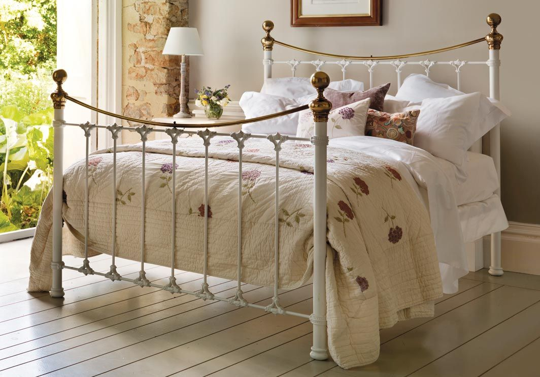 Juniper Bed in 2020   White metal bed, White metal bed ...