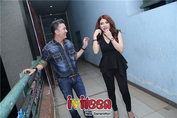 Tố Ny tháp tùng Mr. Đàm chạy show ủng hộ nghệ sĩ Hoàng Lan - http://www.iviteen.com/to-ny-thap-tung-mr-dam-chay-show-ung-ho-nghe-si-hoang-lan/ Hai thầy trò cùng với các tên tuổi quen thuộc khác trong showbiz Việt đã có một đêm văn nghệ vô cùng ý nghĩa và ấm cúng.  #iviteen #newgenearation #ivietteen #toivietteen  Kênh Blog - Mạng xã hội giả