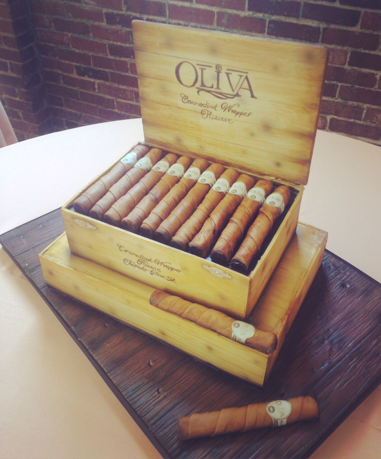 Artist Sarah Ono Jones Magpies Bakery Knoxville TN Custom Oliva Cigars And Box Fondant Grooms Cake Groomscake Wedding Olivaibrand Cigar
