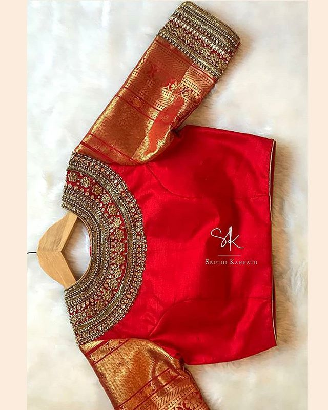 "Sruthi Kannath on Instagram: ""#sruthikannath #southindianbride #indianbridal #floral #bridal #pearlsandstones #sequins #annaparavai #florallove #zari #zardosiembroidery…"""