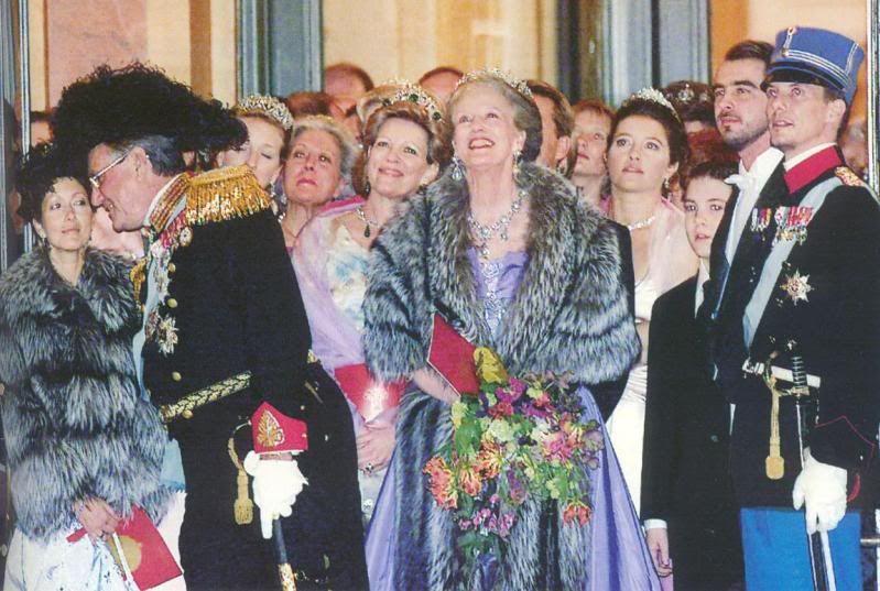 Queen Anne Marie At Her Elder Sister S Birthday Gala Joyas Reales Joyas