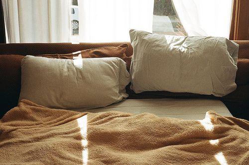 una cama de dos plazas para dormir contigo <3