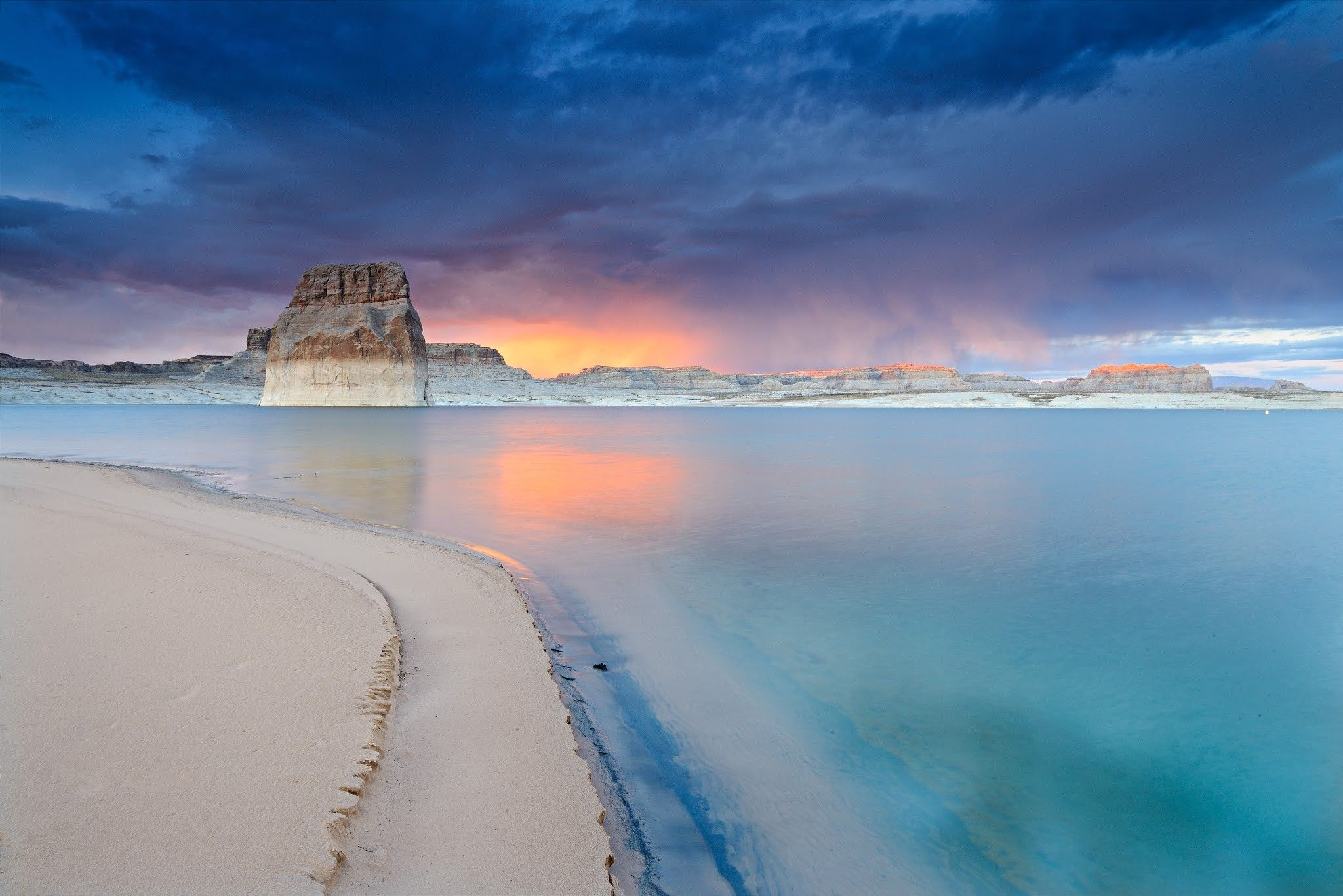 Lone Rock Beach Lake Powell Utah