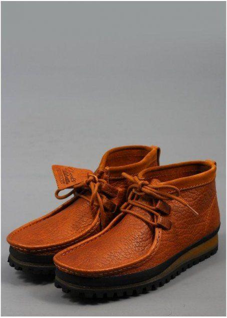 ecbd7061944 Clarks Wallabee Low Shoe Cognac