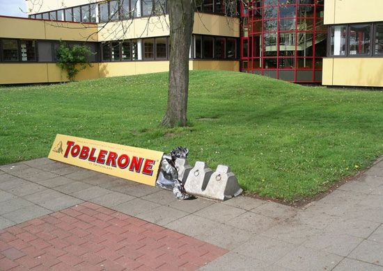 toblerone bar, now if only that was real chocolate ahhhhhh
