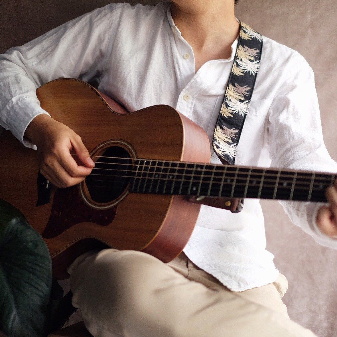 Acoustic With Black Hawaii Guitar Strap Guitarstraps Acoustic Guitar Guitar Boy Guitar Photography