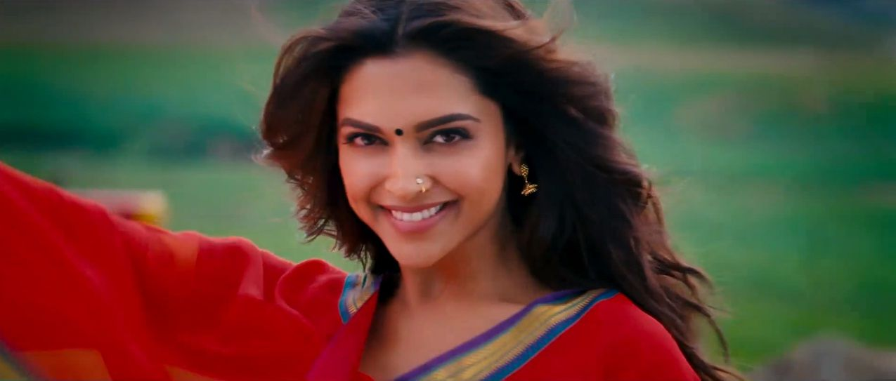 Beauty lies in simplicity. And Deepika proves it with full ...