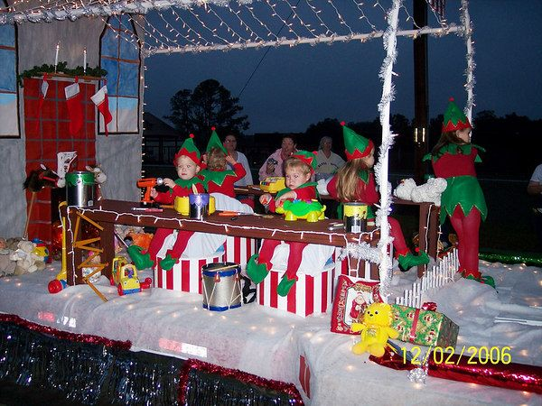 elf float parade floats pinterest elves christmas
