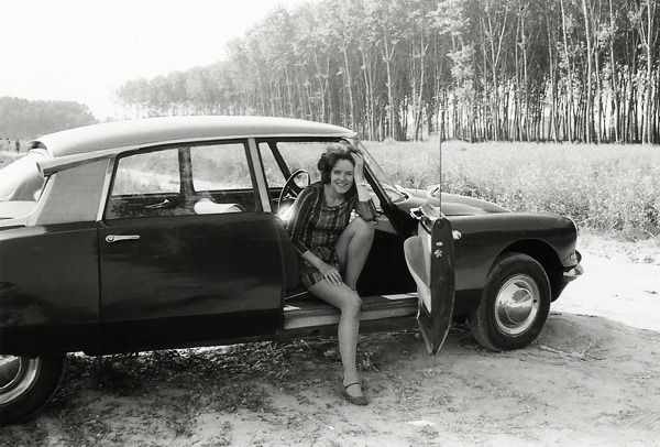 citroen ladies : Photo | Citroen ds, Citroen, Mini cars