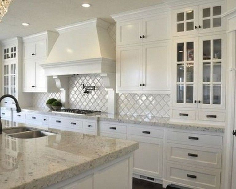40 Stunning Traditional Kitchen Design Ideas In 2020 Traditional Kitchen Design White Granite Kitchen Craftsman Kitchen