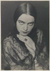Trude Geiringer - Fatma Karell    (1928)