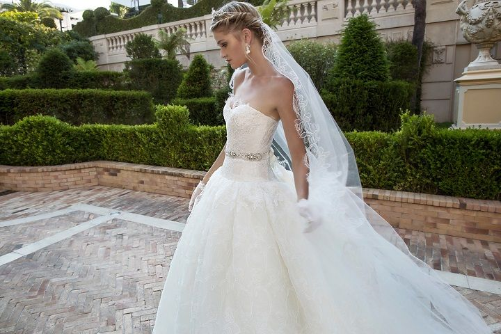 Ball gown wedding dress | fabmood.com #weddingdress #weddingdresses #bridalgown #weddinggown #weddinggowns #ballgown