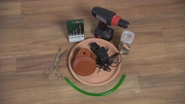 hundkatzemaus ein katzenbrunnen zum selberbauen katzen. Black Bedroom Furniture Sets. Home Design Ideas