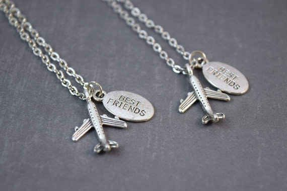 dafe77f8c2ed6 19 Adorable Gifts For Your Long Distance BFF | Long distance ...