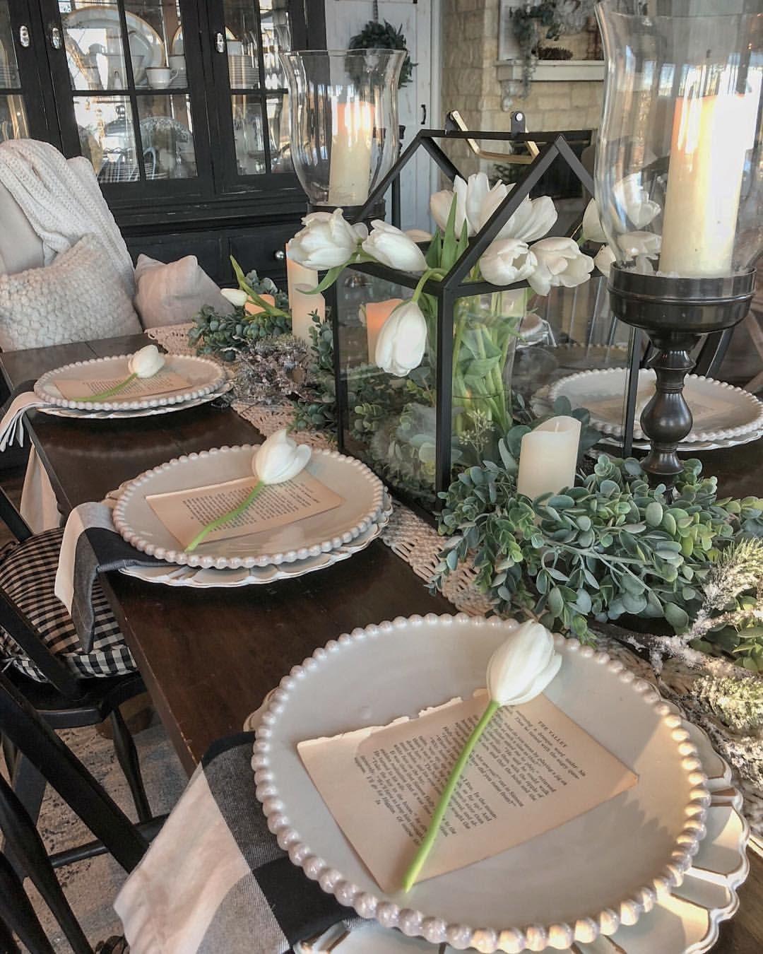 Christmas Dining Room Ideas To Add A Flourish To Christmas: Deborah (@hipandhumblestyle) On